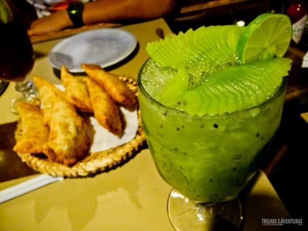 """Uma caipirinha """"de respeito"""" 100% da fruta, no Restaurante Varanda - Fernando de Noronha"""