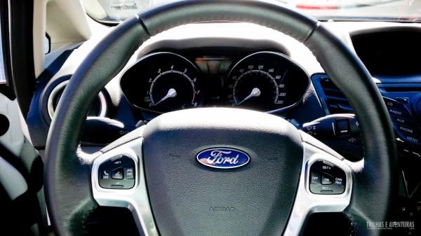Detalhe do volante e painel