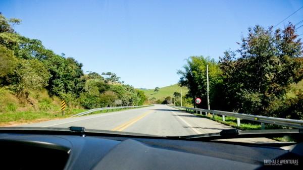 Lindo dia de sol para um test-drive