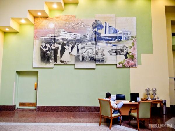Uma grande tela ilustra os tempos gloriosos do Jaragua Hotel