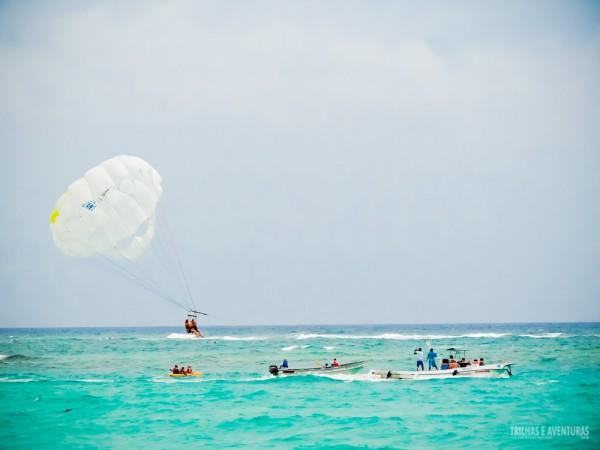 Parasail, diversão nas alturas para ver o mar do Caribe