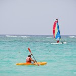 Passeio de caiaque e barco a vela está incluso no sistema do resort