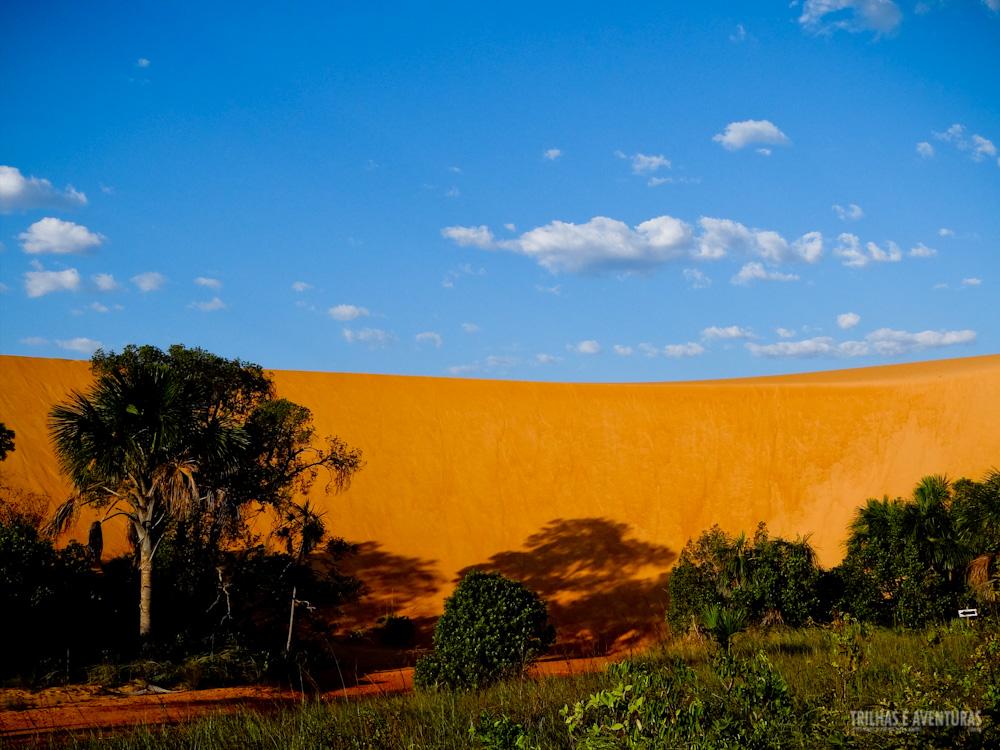 Tem como não se impressionar com esse contraste de cores nas dunas do Jalapão?
