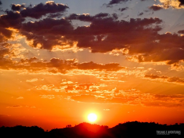 """Vimos o céu """"pegar fogo"""" do alto das dunas do Jalapão"""