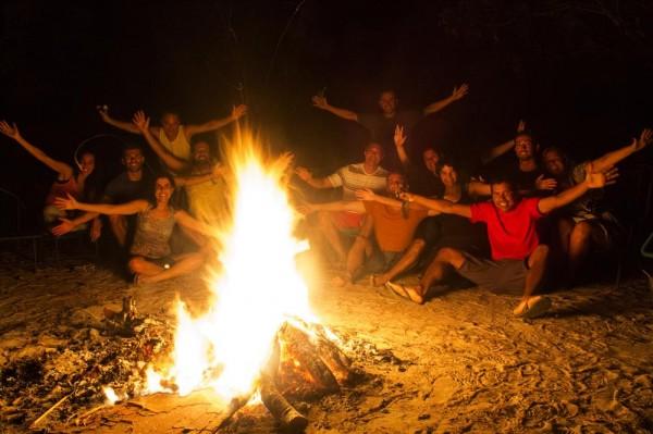 Despedida do Jalapão em volta da fogueira com os novos amigos - Foto: Roberta Martins