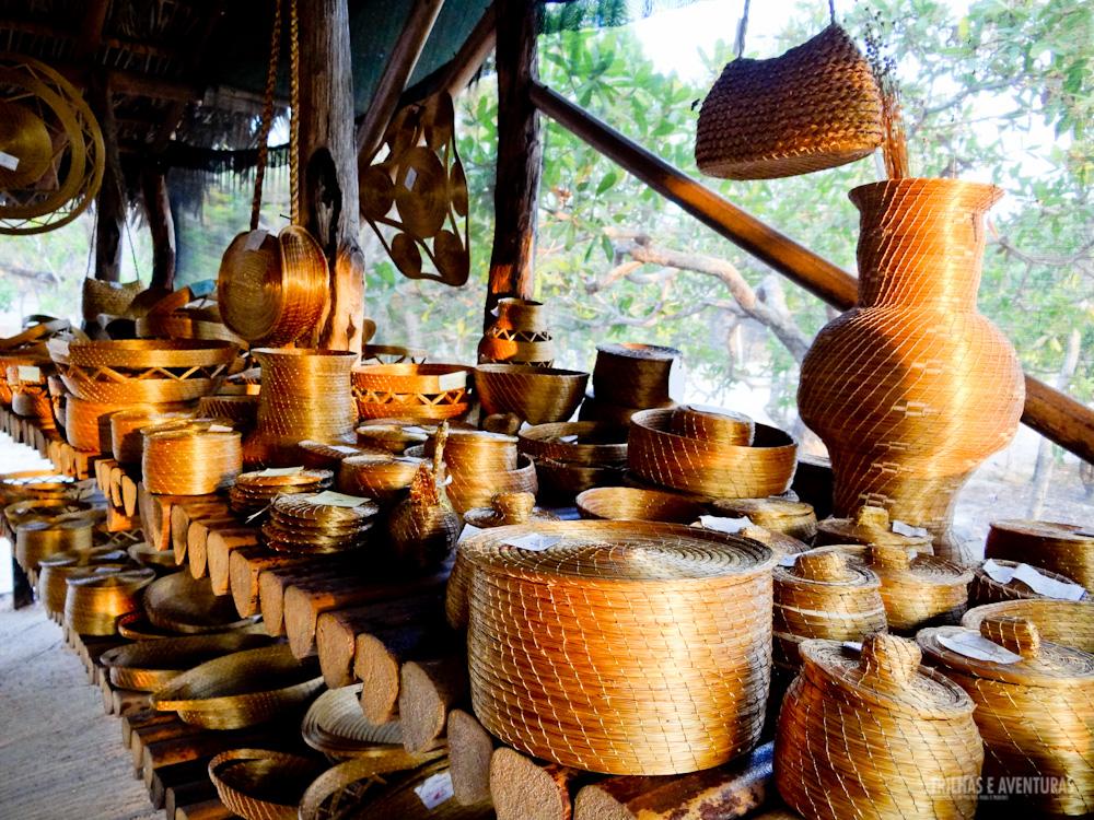 Artesanato de Capim Dourado vendido no Safari Camp da Korubo, no Jalapão