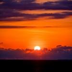 Belo pôr-do-sol registrado da varanda do meu quarto