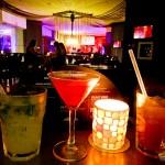 Drinks ao som de boa música ao vivo no Sun Bar