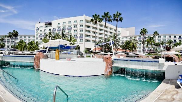 Uma das piscinas do Hard Rock Hotel Vallarta
