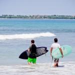 Surfistas na Playa La Lancha