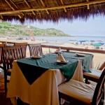 Todas as mesas tem vista para a Praia de Sayulita