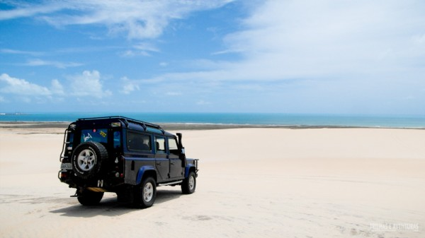 Land Rover da 4por4 Adventure no alto das dunas