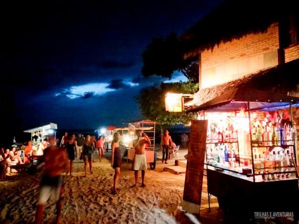 Barraquinhas a noite na praia de Jericoacoara