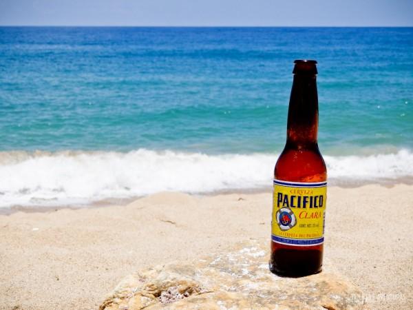 Cerveja Pacífico em pleno Oceano Pacífico