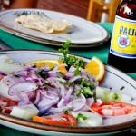 Ceviche de camarão e uma cerveja Pacífico pra acompanhar