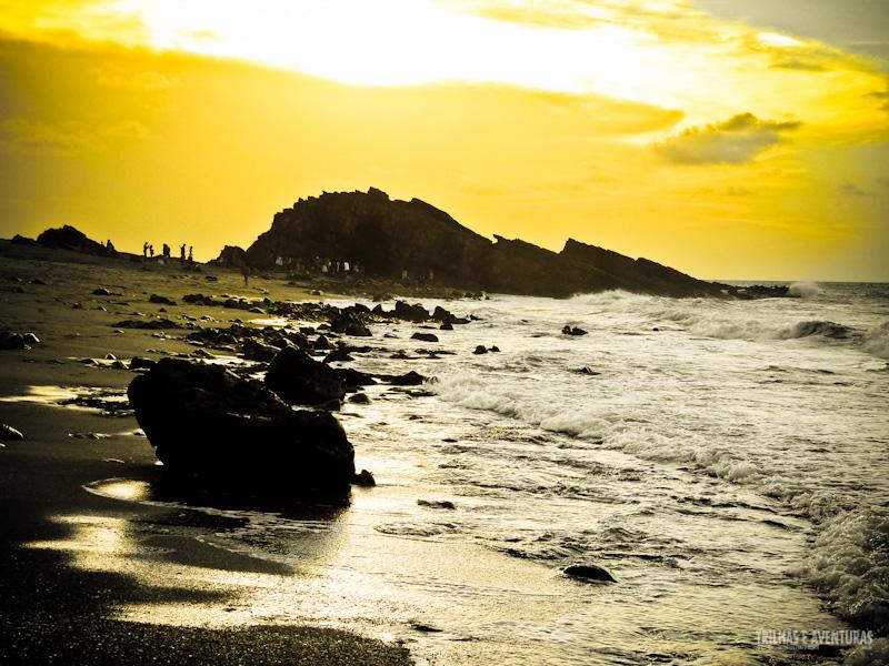 Pôr-do-sol na Pedra Furada em Jericoacoara