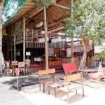 Restaurante e bar de piscina da pousada