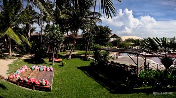 Panorâmica aérea do jardim da Pousada Vila Kalango