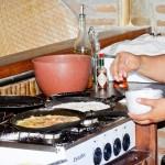 Tapioca feita na hora durante o café da manhã
