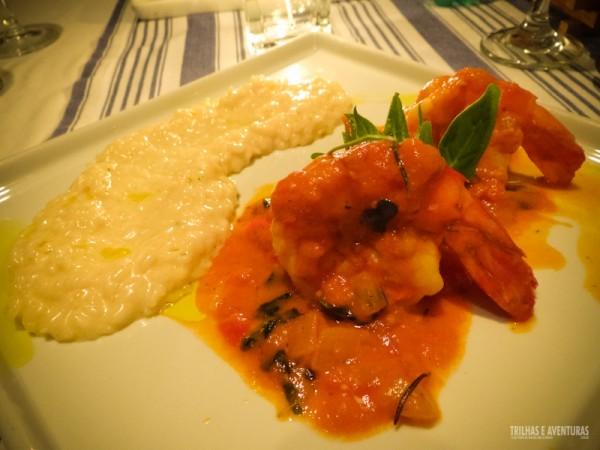 Camarões VG ao molho de tomates frescos com risoto