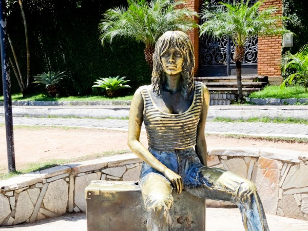 A estátua de Bardot é parada obrigatória dos turistas