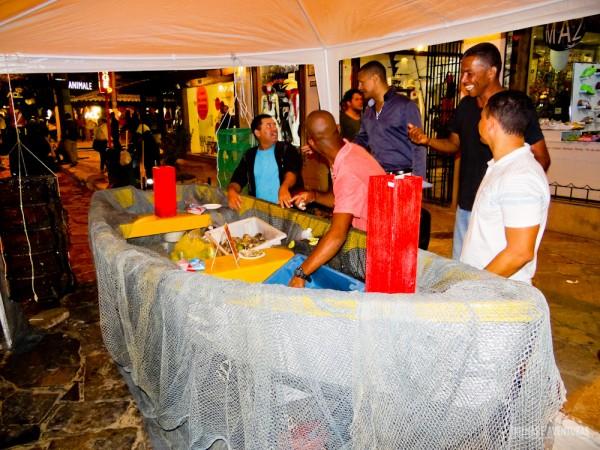 Barco-mesa da Associação de Maricultura da Rasa