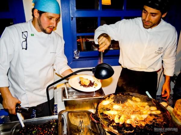 Os chefs vão para a rua cozinhar, servir e explicar suas obras gastronômicas