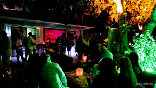 Valdivia – Lounge e gastronomia contemporânea no Porto da Barra em Búzios
