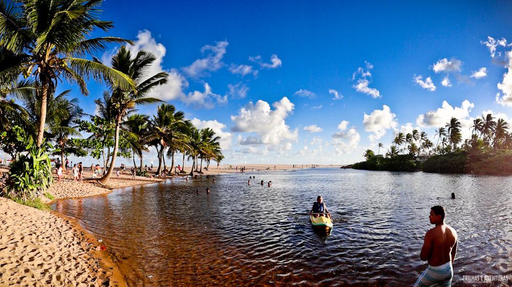Rio Imbassaí, a poucos passos da praia e perfeito para o banho