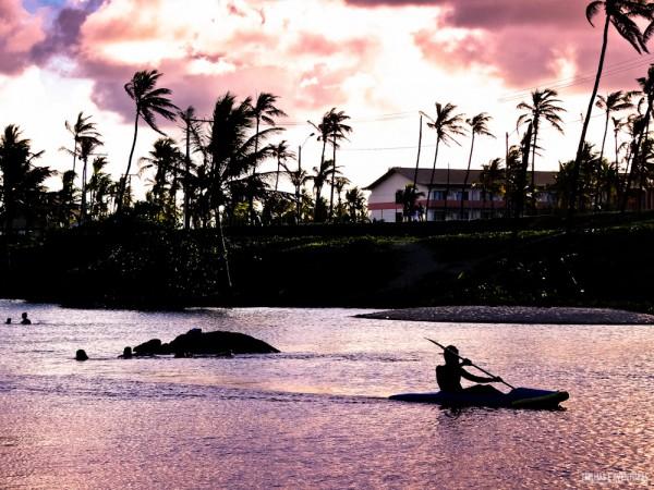 No Rio Imbassaí é possível alugar caiaques e pranchas de Stand Up Paddle