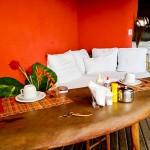 Área para o café da manhã na Pousada Tãnara