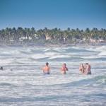 Banho de mar na Praia do Diogo