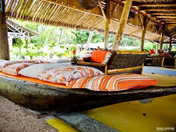 O bar da praia é puro luxo! Rústico e perfeito para refeições e bons drinks