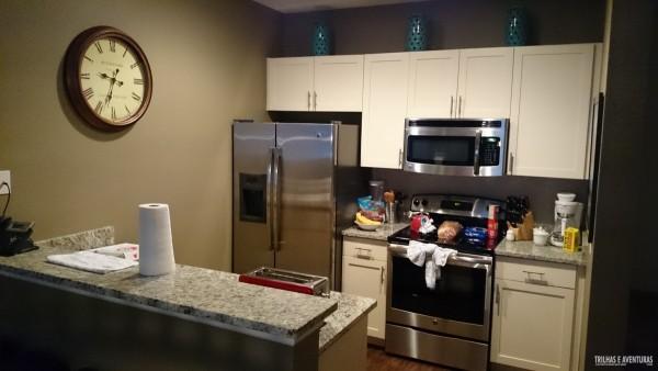 Cozinha completa das Casas Lucaya