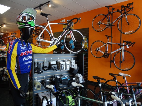International Bikes, especializada em bikes e acessórios para Downhill, Dirt e Freeride