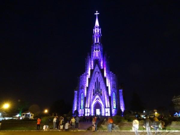 Iluminação especial na Catedral de Pedra, em Canela