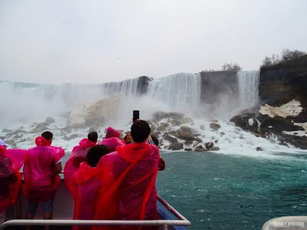 Passeio de barco em Niagara Falls