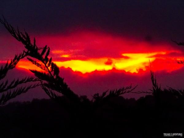 Que tal esse pôr-do-sol da Rota Mapuche no Lago Budi?