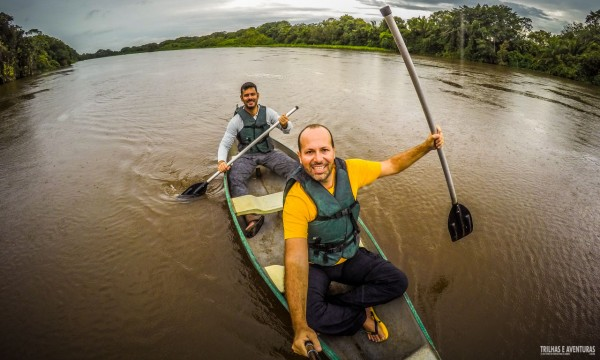 Passeio de caiaque no Pantanal