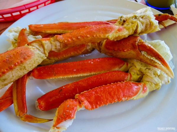 """""""Perninhas"""" de caranguejo maiores que o prato"""