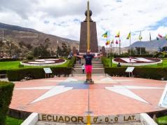 Monumento da Metade do Mundo em Quito, no Equador