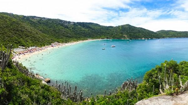 Praia do Forno, uma das principais praias em Arraial do Cabo