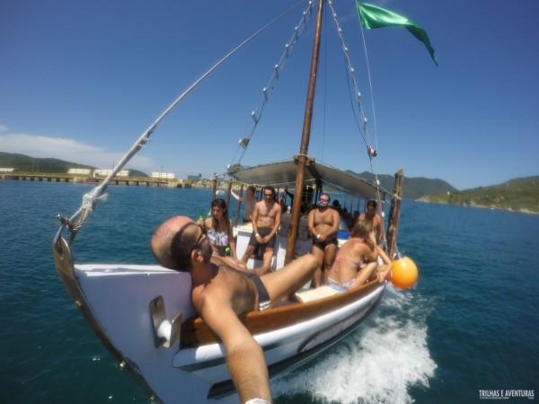 Aproveitando todos os momentos do passeio de barco em Arraial do Cabo