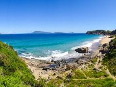 Praia Brava: para surfistas e nudistas