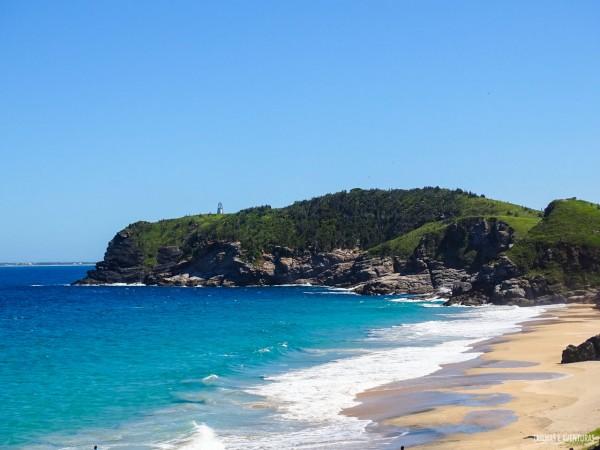 Selvagem e quase deserta, a Praia Brava é a única praia de nudismo em Cabo Frio