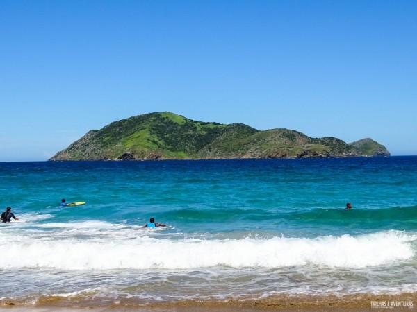Essa ilha da Praia Brava é muito parecida com a da Praia do Leão, em Fernando de Noronha
