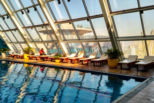 Piscina aquecida na cobertura do Hilton São Paulo Morumbi