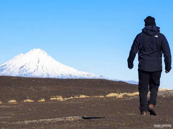 Caminhando na parede do Vulcão Lonquimay, em Corralco