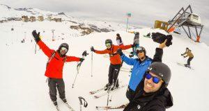Esquiando com os amigos no Valle Nevado