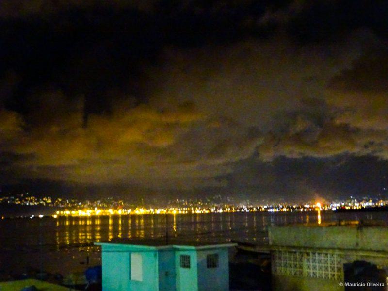 Port Royal a noite, cenário de Piratas do Caribe, na Jamaica